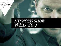 Hypnoseshow. Dine øjne bliver tunge, og nu er du en senegalesisk urfugl. #Kræz #CafeKræz #MagicMind #Odense #hypnose #hypnosis #mitodense #thisisodense Læs anbefalingen på: www.thisisodense.dk/8146/hypnoseshow