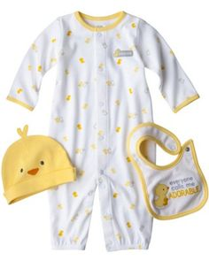 Essential Newborn Baby Clothes: Newborn Clothing Set (via Parents.com)