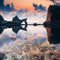 Imagem maravilhosa da ilha Nusa Penida Bali. Tudo aqui é etéreo e transmite um sentimento de paz a luz o reflexo... Lindo clique do fotógrafo Cuma Çevik. @OlhardeMahel @cumacevikphoto #NusaPenida #Bali #fotografia #fotógrafo #imagem #ilha #lugaresincríveis #viagem #turismo #ficaadica #OlhardeMahel #fpolhares #photography #picture #photographer #nusapenidaisland #island #image #travel #photo #pic https://www.instagram.com/p/BMq50VCAWMG/