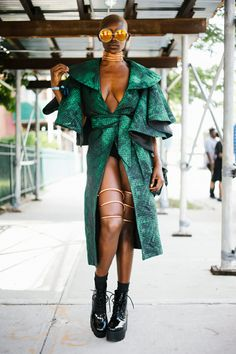 afrikanischer stil We sent photographer Simon Chetrit, to Afropunk Festival 2018 along with Crystal Anderson and they talked to folks about their looks. Street Style 2018, Looks Street Style, Looks Style, Haute Couture Style, Casual Styles, Pink Fashion, Womens Fashion, Fashion Tips, Cozy Outfits