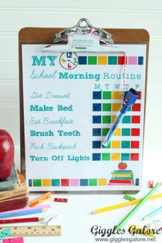 Back to School Morning Routine Checklist. Make those hectic mornings run smoother with this free printable checklist for kids. Morning Routine Chart, Morning Routine Kids, Morning Routine Checklist, Kids Checklist, Before School Routine, School Routines, School Schedule, Kids School Organization, School Interview