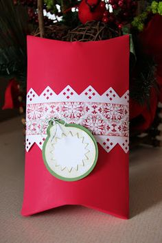 Sharing Memories Scrapbooking: Cricut Holiday Frames & Tags Cartridge #3