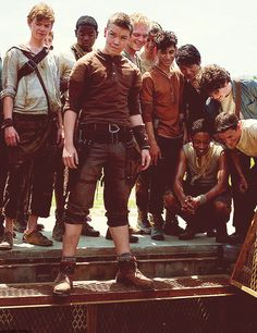Awww Newtie is very cute I love The Maze Runner cast Maze Runner The Scorch, Maze Runner Movie, Maze Runner Trilogy, Maze Runner Series, Dylan O'brien, Will Poulter, The Scorch Trials, Thomas Brodie Sangster, Run Disney