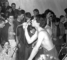 Dangerous Minds | Sham 69's Jimmy Pursey trades in his Doc Martens for Capezios