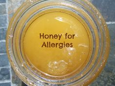 Treat Your Allergies with Raw Honey Natural Remedies For Allergies, Allergy Remedies, Arthritis Remedies, Headache Remedies, Holistic Remedies, Skin Care Remedies, Health Remedies, Honey For Allergies, Seasonal Allergies