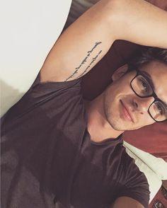 "83.4k Likes, 2,389 Comments - ANDRÉS CEBALLOS (@dvicio_andres) on Instagram: ""Quién más usa gafas?/ Who else wears glasses? """