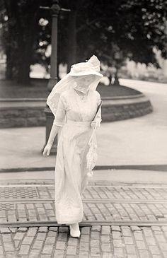 Mrs. James B. Longstreet, widow of Confederate General - 1913 - Harris & Ewing.