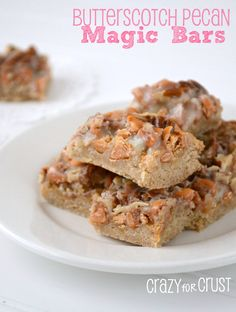 ---Butterscotch Pecan Magic Bars--- 1 Butter Pecan Cake Mix 1 stick butter, softened 1 egg 1 bag butterscotch chips 1 cup chopped pecans 1 can sweetened condensed milk ounces) Cookie Desserts, Just Desserts, Cookie Recipes, Delicious Desserts, Magic Cookie Bars, Magic Bars, Brownies, Cake Bars, Dessert Bars