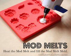 Cathie filiana: Nuestra Nueva Línea de Productos: Mod Melts de Mod Podge! Adornos Propios suspensiones DIY!
