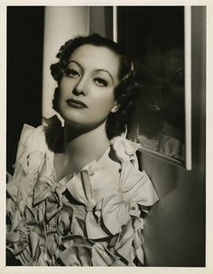https://flic.kr/p/7JcSZD | 7000-0248 | Joan Crawford portrait from Grand Hotel by George Hurrell.
