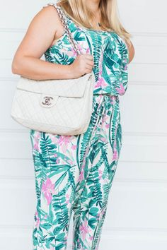 Do you get sick of wearing the same bag every day? Why not buy a used one from trendlee so you can take your look up a notch?! You can get 5% off your purchase with the code APRILGOLIGHTLY Delete Comment
