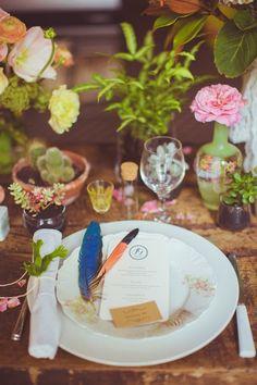 Décoration florale pour un mariage folk bohème vintage