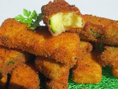 Aperitivos de calabacín al parmesano con Thermomix Tapas, Yummy Appetizers, Appetizers For Party, Cooking For Dummies, Good Food, Yummy Food, Yummy Yummy, Sandwiches, Cooking Recipes