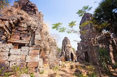 Once thought to be a prototype for Angkor Wat. Wat Banan offers a stunning 360 degree panoramic view of the surroundings from its top. Battambang, Angkor Wat, 3d Design, Southeast Asia, Cambodia, Monument Valley, Mount Rushmore, To Go, Explore