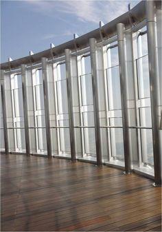 La terrasse à l'air libre du 124e étage