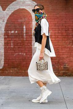 Olivia Palermo Street Style, Olivia Palermo Outfit, Olivia Palermo Lookbook, Printemps Street Style, Spring Street Style, Style Summer, Vogue, Estilo Retro, Buckle Boots