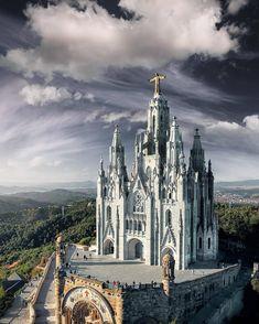 531 vind-ik-leuks, 16 reacties - 🌏 Awesome Photo Trip® 🌎 (@awesome_phototrip) op Instagram: '===================================== 🌍 Temple of the sacred heart of Jesus, Barcelona…'