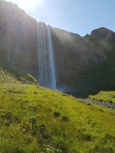 Seljalandsfoss, South Region: Läs recensioner av resenärer som du och se professionella bilder på Seljalandsfoss i South Region, Island på TripAdvisor.