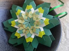 Mandala Nice - by Carla Onishi http://entrevalesemontanhas-origami.blogspot.com.br/2013/03/ha-quanto-tempo.html
