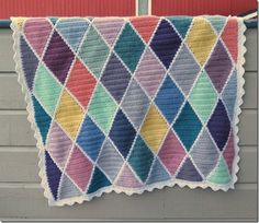 Solveig's harlequin blanket - free pattern &  tutorial for the diamond motifs, plus instructions on a nice flat joining method (rather than a raised seam). Lovely blog with other free patterns - she's also here on Pinterest :-)  . . . .   ღTrish W ~ http://www.pinterest.com/trishw/  . . . .    . . . . #crochet #afghan #throw
