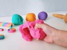 Homemade dough: simple recipe and instructions to make your own dough with … - Slime Homemade Putty, Homemade Playdough, Homemade Soap Recipes, Easy Crafts, Diy And Crafts, How To Make Dough, Slime For Kids, Recipe Instructions, Home Made Soap