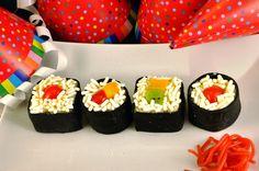 #Sushi Snoep! Gemaakt door @Lydia Squire-San voor 3e jubileum van Teitloos.nl cake, fondant, witte xl hagel en snoepjes