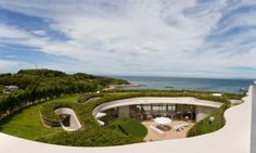 villa_ronde_on_the_japanese_coast