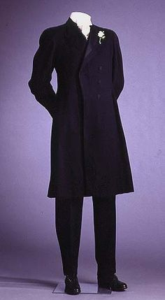 Formal Suit  circa 1895-1905  A. Simon & Son (US) Manufacturer/Studio  Wool, silk satin	  Mint Museum, 1993.24.10A-C