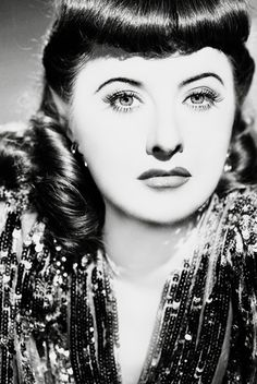 Barbara Stanwyck for Ball of Fire, Photo by George Hurrell Hollywood Icons, Vintage Hollywood, Hollywood Stars, Classic Hollywood, Classic Actresses, Beautiful Actresses, Vintage Glamour Photography, The Lady Eve, Vintage Pop Art