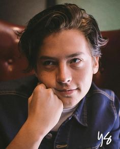 #colesprouseforbench #riverdale #jugheadjones #colesprouse