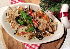 Cobain menu baru dari Kitchenette yuk! Tokyo Style Tater Tots merupakan sajian kentang yang disajikan dengan togarashi spice, Japanese mayo, roasted seaweed & sesame. Bikin nagih!