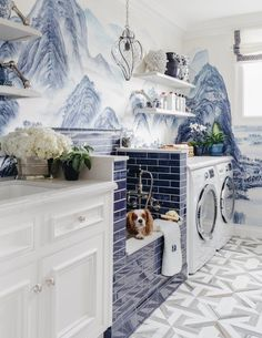 Dina Bandman A beautiful blue and white Chinoiserie laundry room - I could use this dog bath for my three pups.