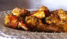Coniglio alla cacciatora - Rabbit (or chicken) cacciatore Meat Recipes, Chicken Recipes, Cooking Recipes, Rabbit Recipes, Game Recipes, Chicken Cacciatore, Rabbit Food, Xmas Food, Tandoori Chicken