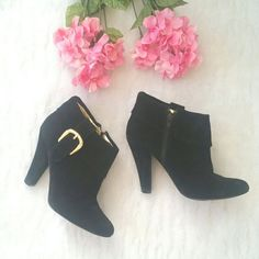 """SALE Steve Madden Black Suede Booties Black suede Steve Madden Booties. Gold interior lining. Gold buckle hardware. Only worn 4-5 times.  Normal wear and tear. Scuff marks on heel and a small tear on one of the heels that is barely noticeable (last pic)  Size: 7.5 Heel height: 4"""" Steve Madden Shoes Ankle Boots & Booties"""