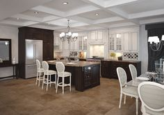 Eurostyle Traditional Kitchen in White and Brown