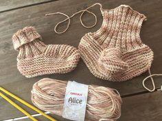 Pantufa Alice Knitted Slippers, Crochet Bikini, Bikinis, Swimwear, Crochet Hats, Pattern, Baby, Fashion, How To Knit Mittens