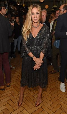 """Sarah Jessica Parker Recalls """"Very Big Movie Star"""" Who Behaved Inappropriately - Vogue Sarah Jessica Parker, Cape Sleeve Dress, Dress Up, Celebrity Dresses, Celebrity Style, Actrices Hollywood, Spring Summer Trends, Gwyneth Paltrow, Style And Grace"""