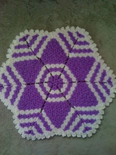This Pin was discovered by azi Crochet Designs, Crochet Patterns, Woolen Craft, Easter Crochet, Crochet Kitchen, Crochet Doilies, Crochet Projects, Diy And Crafts, Projects To Try
