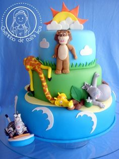MADAGASCAR By tricia4 on CakeCentral.com