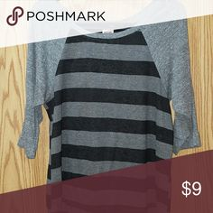 Cute Heather Grey & Black 1/2 Sleeve Tee Excellent condition Size Small Mossimo Supply Co Tops Tees - Short Sleeve