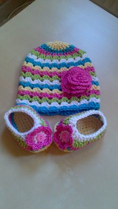 JELU crochet - Baby hat and slippers