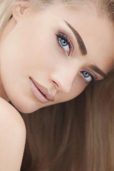 Beautiful eyeshadow ~ matching nude lipstick  #PFBeauty