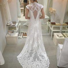 Favorite dress.  可愛かったドレスシリーズ②  #デヴィッドフィールデン の1着。  後ろ姿最強😂💗 後ろ姿だけだと1番好きなドレスです😍✨