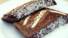 No-Bake Cocoa Biscuit Cake Recipe – About Sweets Köstliche Desserts, Sweets Recipes, Cake Recipes, Cooking Recipes, Coconut Hot Chocolate, Homemade Chocolate, Chocolate Recipes, Romanian Desserts, Biscuit Cake