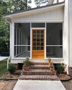 Beautiful Backyard Porch Ideas To Modify Your Ordinary Garden Schöne Hinterhof-Veranda-Ideen Casa Patio, Backyard Patio, Porch And Patio, Lanai Porch, Patio Bed, Porch Awning, Pavers Patio, Patio Stone, Patio Awnings