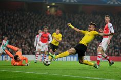Ciro Immobile of Borussia Dortmund misses a chance on goal during the UEFA Champions League Group D match between Arsenal and Borussia Dortmund at the Emirates Stadium on November 26, 2014 in London, United Kingdom.