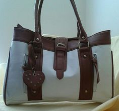 Email charmandblush@gmail.com for this purse for 25.00