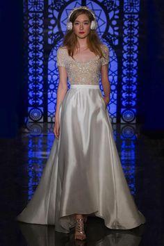 Reem Acra Bridal Herfst/Winter 2016 - Vogue Nederland