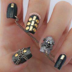 Lovely Nail Designs - 35 Killer Skull Nail Art Designs for Halloween Funky Nail Designs, Creative Nail Designs, Nail Art Designs, Nails Design, Sugar Skull Nails, Skull Nail Art, Beautiful Nail Art, Gorgeous Nails, Amazing Nails