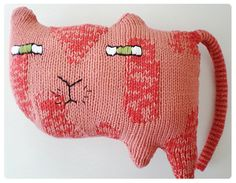 DIY - the knitted odd bunch book - Donna Wilson Softies, Baby Gifts To Make, Soft Kitty Warm Kitty, Knitted Cat, Cat Pillow, Kawaii Cat, Little Kittens, Cat Crafts, Soft Sculpture